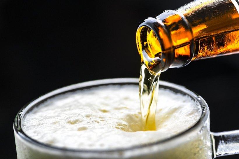 Un pahar de bere pe zi este sănătate curată. Vezi motivul pentru care e bine să faci acest lucru zilnic