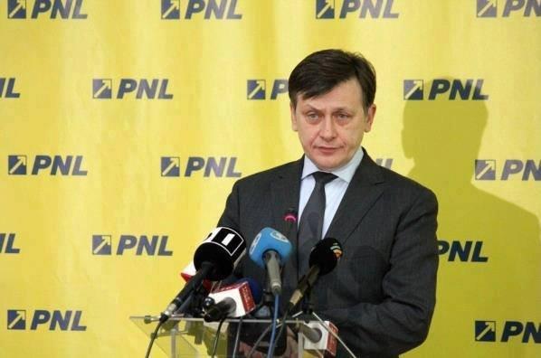 Război pentru putere în partidul lui Iohannis. Crin Antonescu ar fi fost eliminat de pe lista pentru europarlamentare