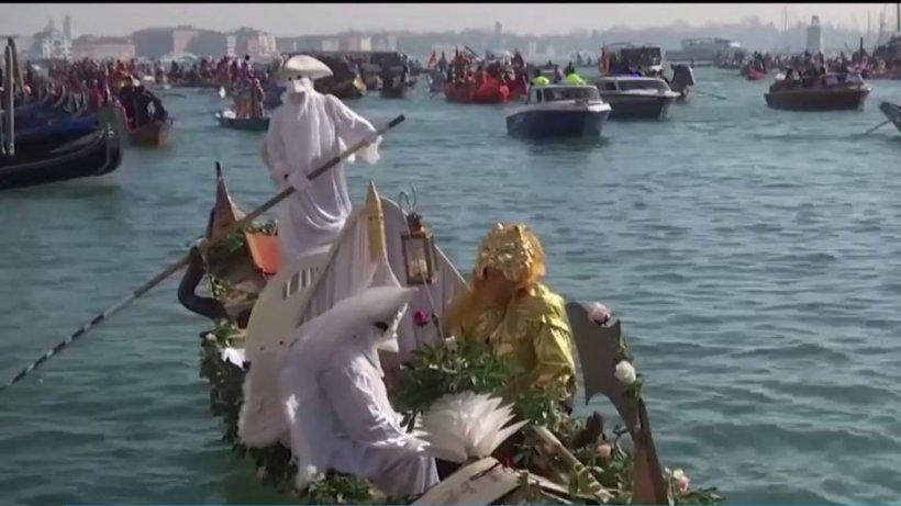 Atmosferă de carnaval la Veneţia. Petrecerile cu măşti vor ţine două săptămâni