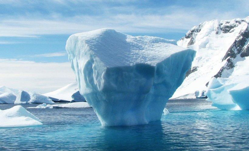 A fost furată apa dintr-un iceberg. Valoarea pagubelor este uriașă