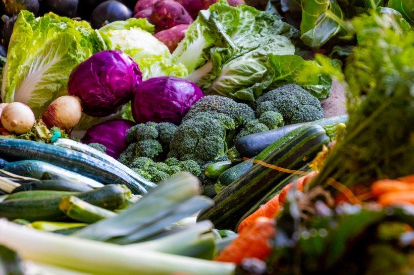 DIETĂ. Alimentele alcaline care te apărăde cancer - Include-le urgent în dietă