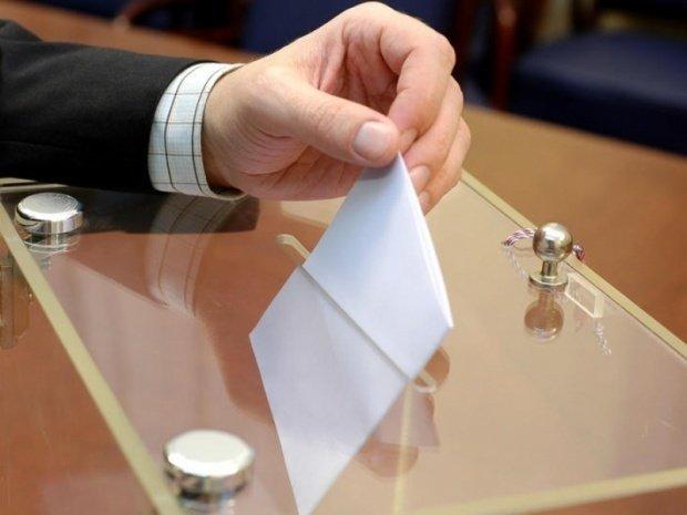 Alegeri parlamentare Republica Moldova. Luptă strânsă între socialiști și blocul ACUM