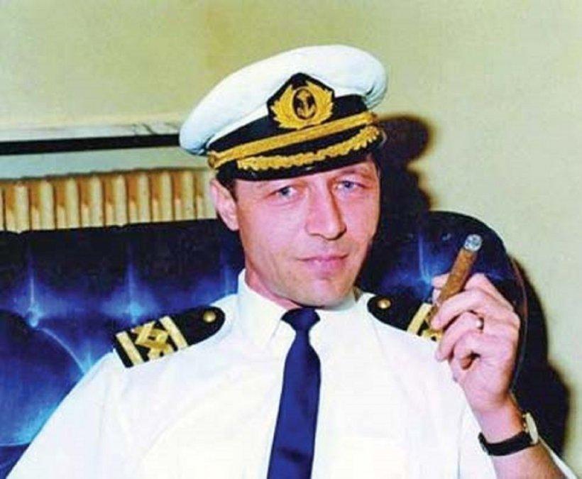 Cum a produs nava comandată de Traian Băsescu cel mai mare incendiu de pe Sena