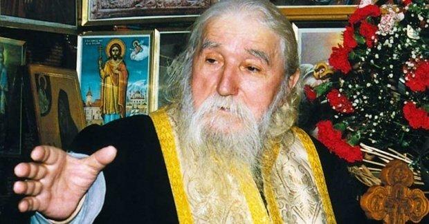 Părintele Cleopa a explicat ce trebuie să facă cei ce au pagube și necazuri în casele lor