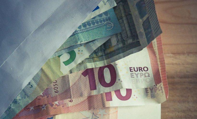 CURS VALUTAR. Euro a înregistrat o scădere semnificativă