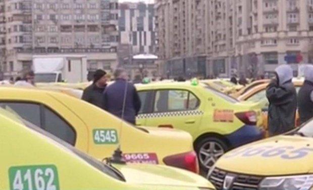 Transportatorii amână protestul programat joi în Piaţa Victoriei. Guvernul va publica proiectul de modificare a Legii taximetriei