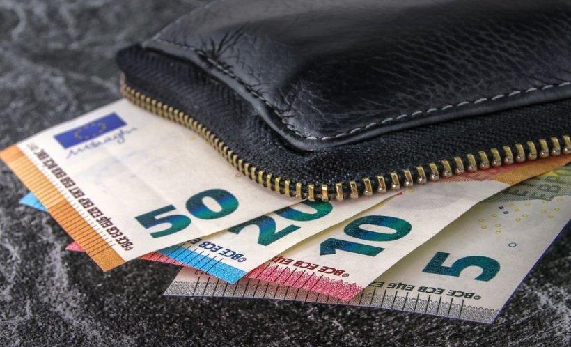 CURS VALUTAR. Euro a înregistrat o nouă creștere