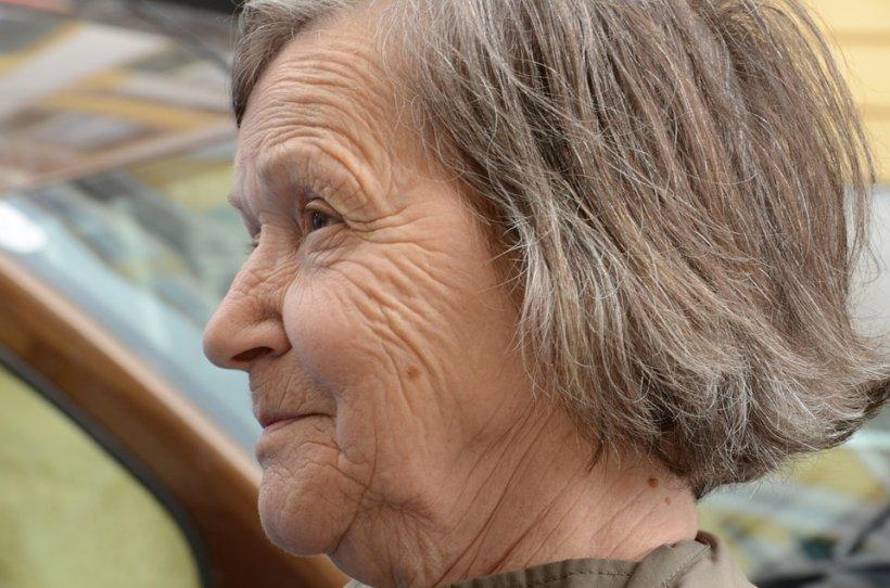 """Scrisoarea superbă a unei femei de 83 de ani adresată prietenei sale: """"Dragă Berta, viața trebuie savurată, nu îndurată..."""""""