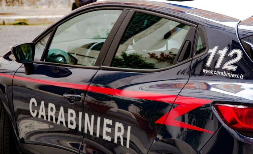 Un român din Italia a fost arestat după ce și-a bătut soţia și fiica