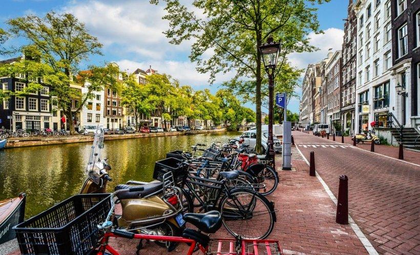 Atenționare de călătorie pentru români în Olanda. Ce se întâmplă acolo