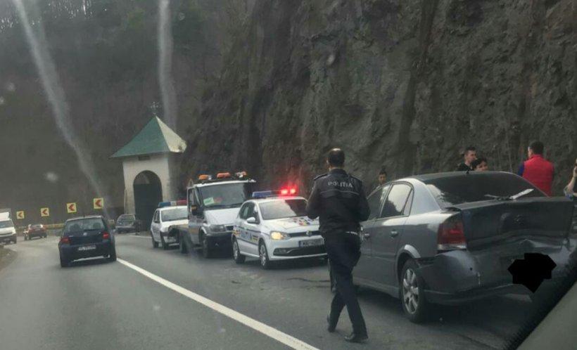 Accident în lanț pe Valea Oltului!Patru copiii şi mama lor au ajuns la spital