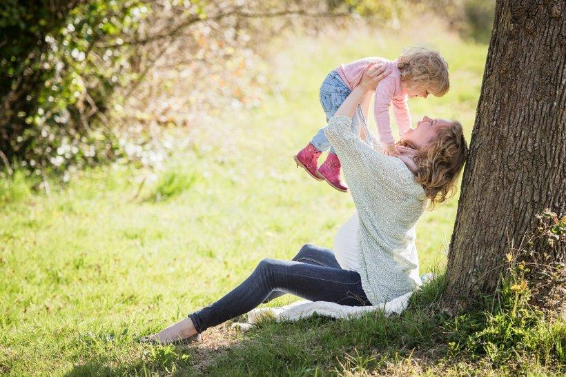 URĂRI DE 8 MARTIE. Cele mai inspirate mesaje, urări, sms-uri, felicitări și mesaje pentru mame, soții, surori