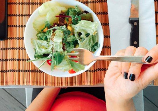 DIETĂ. Greşelile din dietă care duc la cancer de colon