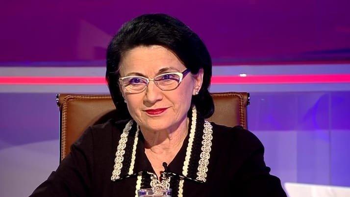 Ecaterina Andronescu, de neclintit în problema uniformelor obligatorii