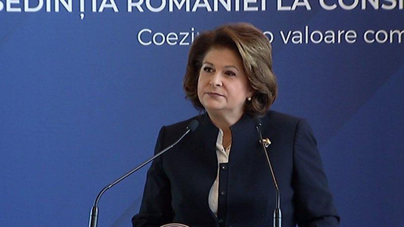 """Rovana Plumb: """"În ziua alegerilor pentru Parlamentul European, nu ar trebui să mai fie în desfăşurare şi un referendum"""" """