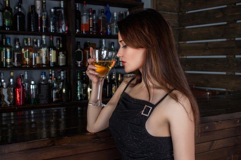 HOROSCOP. Cât de mult beau și cum se comportă zodiile sub influența alcoolului