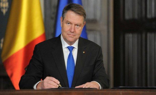 Klaus Iohannis a reclamat la CCR legea administrației publice locale 215/2001