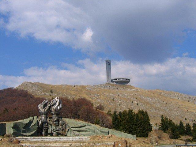 Topul celor mai bizare construcţii ridicate de comunişti