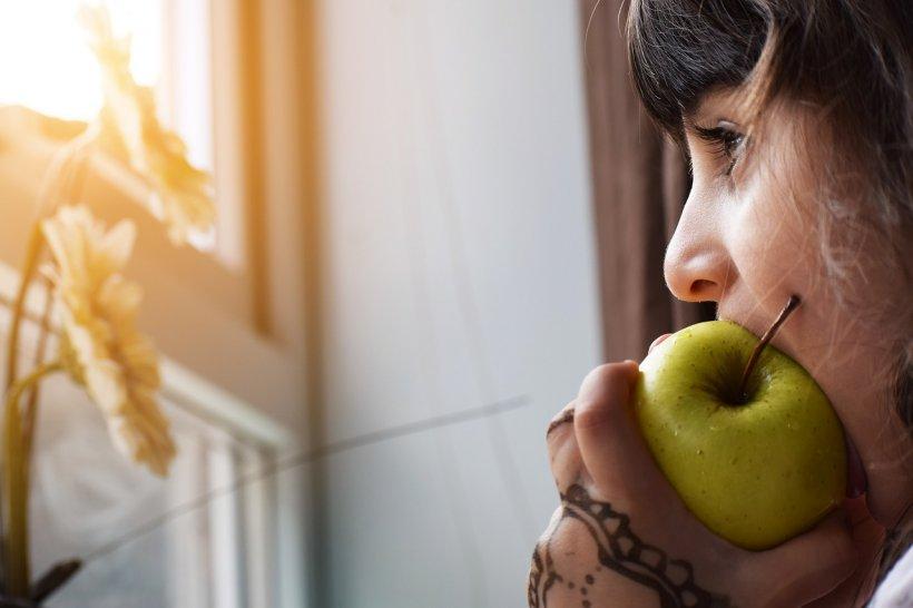 """DIETA. O tânără din Iași s-a apucat de o dietă banală când avea 10 ani. Ce au descoperit medicii după patru ani: """"Este o afecţiune mai rea chiar şi decât leucemia!"""""""