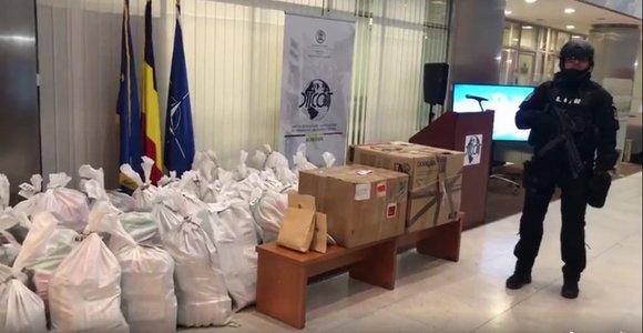 Tona de cocaină capturată de autorități, prezentată la DIICOT. Drogurile aveau o puritate de 90% și valorează peste 300 de milioane de euro