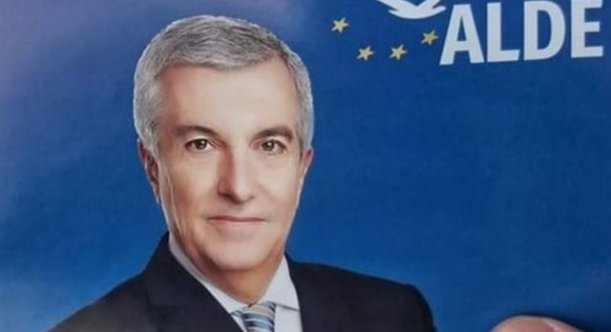 Călin Popescu Tăriceanu, reacție amuzantă la glumele apărute din cauza afișelor electorale retușate