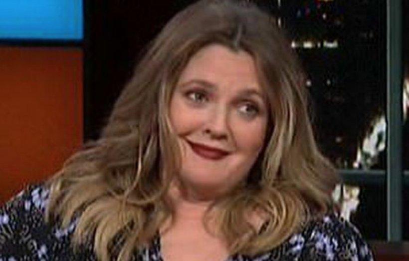 Ce s-a îngrăşat Drew Barrymore! Actriţa e de nerecunoscut la 44 de ani