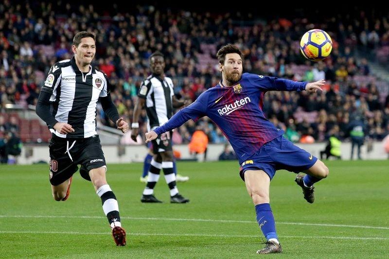 Derby-ul orasului Barcelona marcheaza revenirea fotbalului european