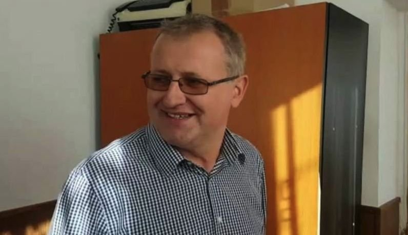 Primarul Bogdan Davidescu, condamnat pentru pornografie infantilă de Tribunalul Prahova. A fost trimis să muncească la grădiniță