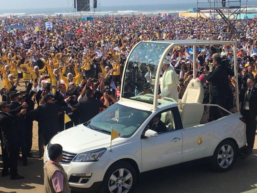 Vizita Papei, test pentru serviciile româneşti