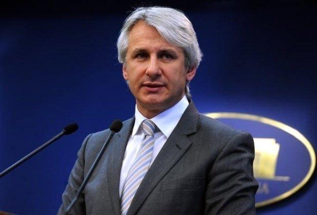 Ministrul Finanţelor, Eugen Teodorovici: ROBOR la cotaţii este undeva la peste 3,2, deci este clar o scădere