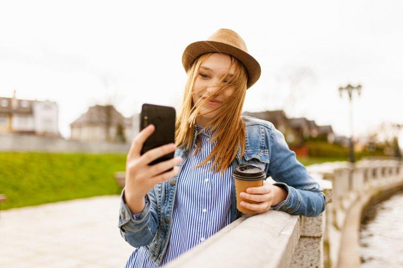 A căzut de la etajul 10 al unei clădiri în timp ce încerca să-și facă un selfie. Milena, în vârstă de 15 ani, a ajuns la terapie intensivă și acum se luptă să trăiască