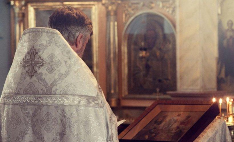 Caz șocant în Spania. Doi români au permis unui preot să le abuzeze sexual copilul