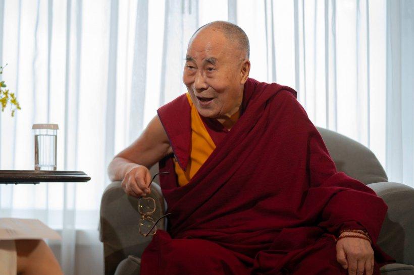 Dalai Lama a ajuns la spital din cauza unor dureri în piept