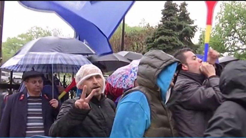 Ce precizări au făcut reprezentanţii Ministerului Transporturilor după protestul angajaţilor CFR