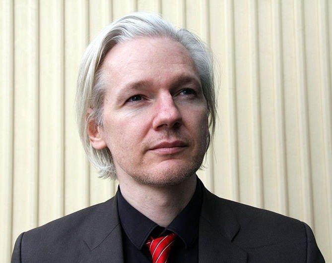 Julian Assange, cofondatorul WikiLeaks, a fost arestat la Londra la cererea SUA