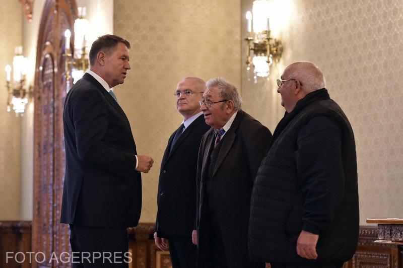 """Klaus Iohannis, întrebat de ce susține un torționar. Marin Iancu: """"Lazăr mi-a amânat de patru ori eliberarea. Este un om lipsit de cultul umanității"""""""