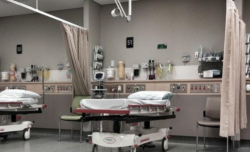 Perdelele care separă paturile pacienţilor din multe spitale, adevărate focare de bacterii (studiu)
