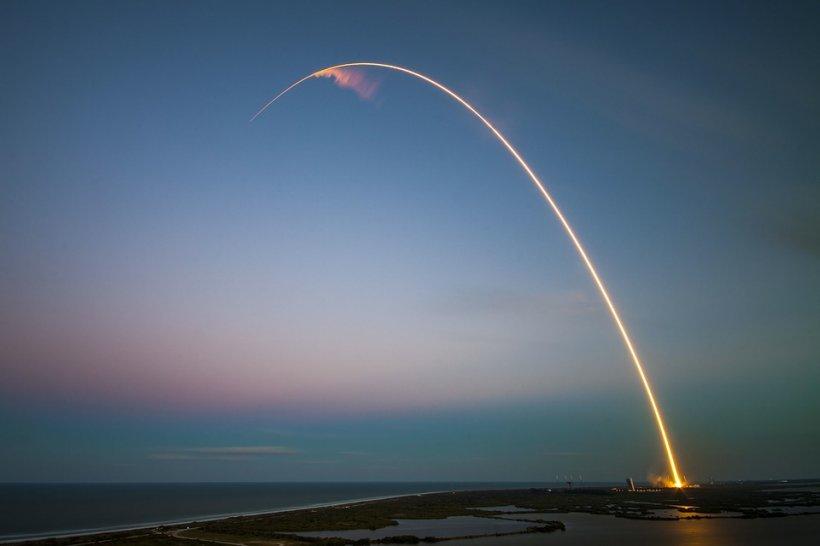 SpaceX. Prima lansare comercială a rachetei Falcon Heavy a fost un succes