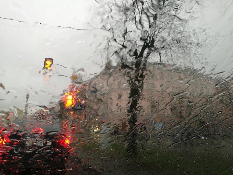 METEO. Prognoza meteo pentru următoarele zile. Ploi și vreme rece