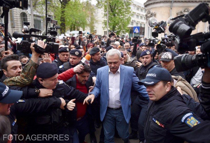 Pronunțarea sentinței în procesul lui Liviu Dragnea se amână până pe 20 mai. Scandalul a continuat și la iesirea de la audieri a liderului PSD