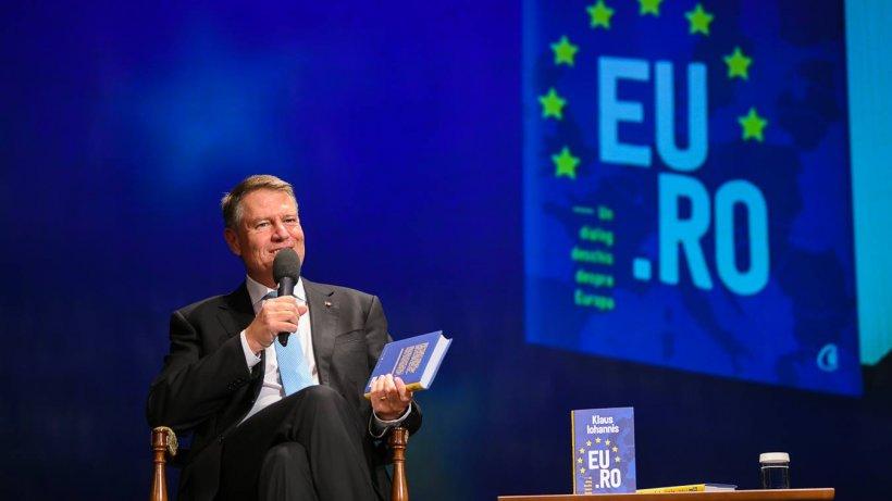 """Klaus Iohannis și-a lansat noua carte. """"Am vrut ca România să-și ocupe locul cuvenit în UE și să joace un rol pe măsură"""""""
