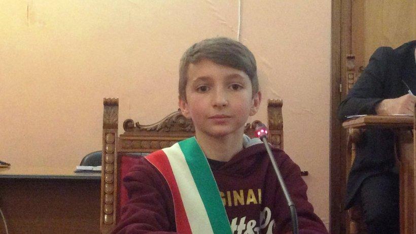 Un băiețel român este noul primar junior al unei localități din Italia