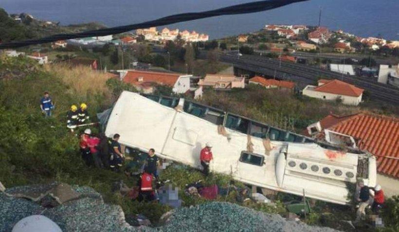 """Mărturii cutremurătoare făcute de victimele care au scăpat cu viață din """"autocarul morții"""". 29 de turiști au murit în tragicul accident din Madeira"""