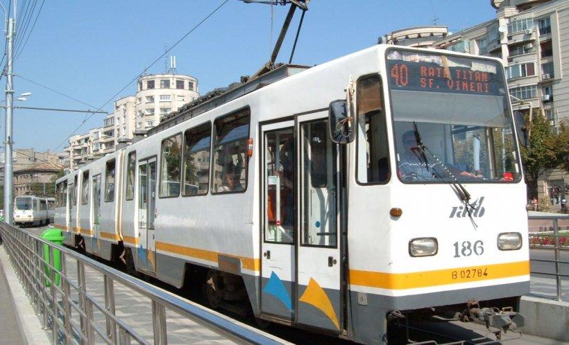 Carla era în tramvaiul 40, când a auzit un copil vorbind tare în spatele ei. Este în stare să dezvăluie și cel mai mare secret al tatălui său pentru o înghețată