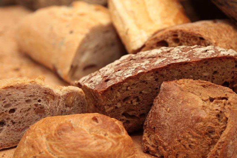 Această boală cauzată de pâine afectează tot mai mulți români. Mergeți imediat la medic dacă aveți simptomele astea