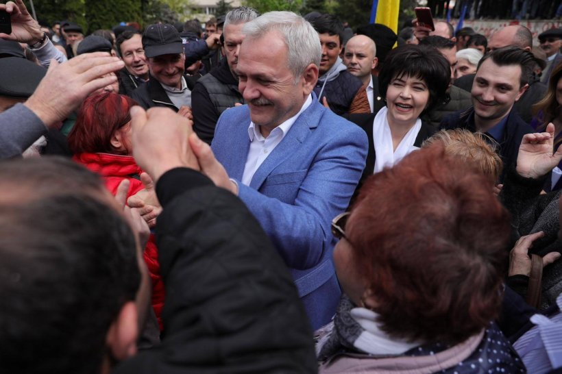 Liviu Dragnea, așteptat la Iași de mii de susținători. Liderul PSD primit cu muzică de fanfară, în aplauzele mulțimii