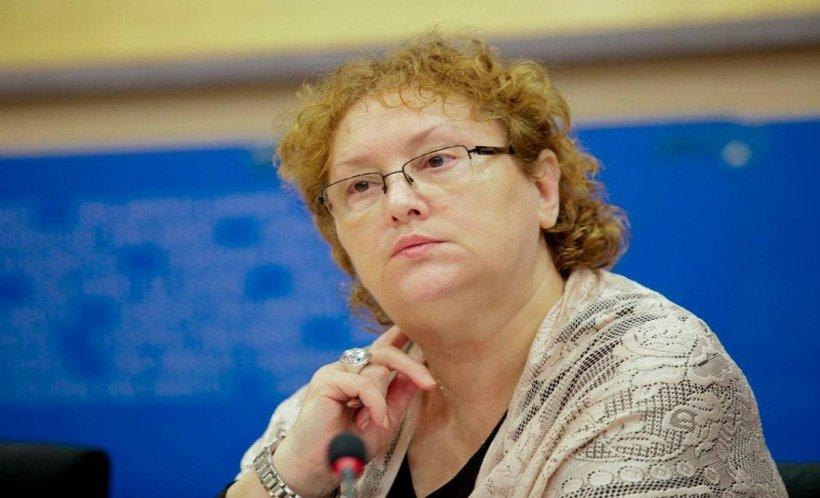 Renate Weber, hărțuită pe străzile din București de un protestatar