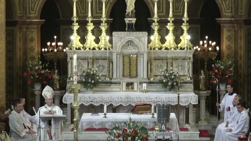 Imagini emoționante de la slujba de Înviere de la catedrala Sfântul Iosif din Capitală