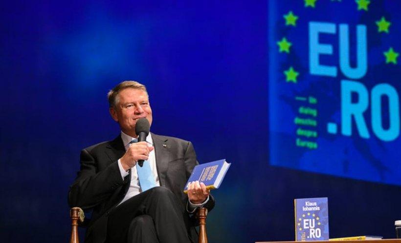 Klaus Iohannis este criticat dur după ce şi-a lansat cea de-a treia carte. Scrierea este mediocră și conține multe banalităţi