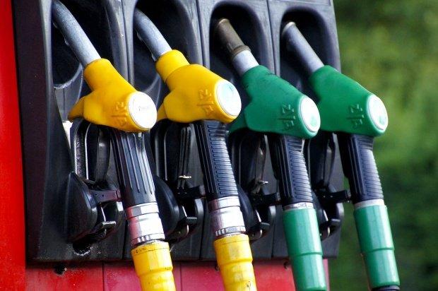 Prețurile carburanților au explodat. Benzina, mai scumpă cu 8,9% față de ianuarie